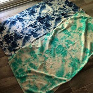 Bundle of 2 beach / pool towels 🌸